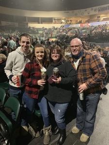 Mark attended Old Dominion Make It Sweet Tour on Jan 24th 2019 via VetTix